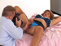 Housewife Gets Her Picture Taken And Then Sucks Him Off