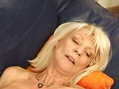 Elyse Is French Mom Who Loves Deep Anal Sex