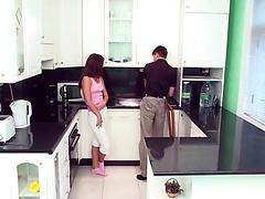Naked teen girl Jana gives pussy for bang in a kitchen
